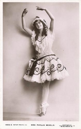 Photo of Phyllis Bedells c. 1911.